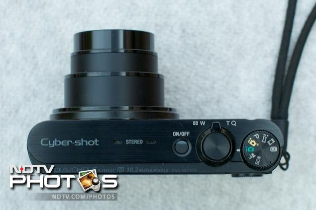 Build and Design Sony Cybershot DSC-WX300 review
