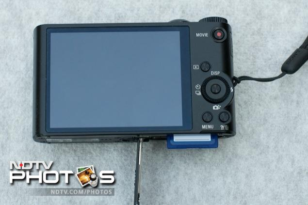 Sony Cybershot DSC-WX300 Build and Design review