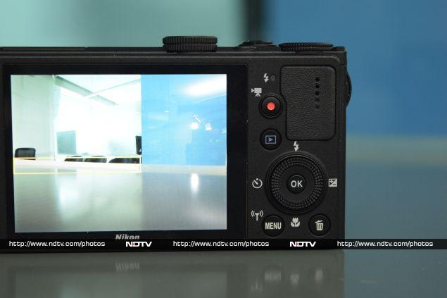 Specifications and Software Nikon Coolpix P340 Review