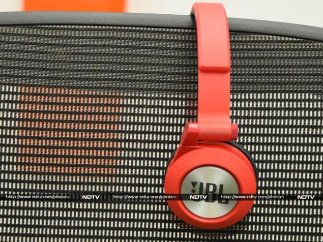 Design and specifications JBL Synchros E40BT Review